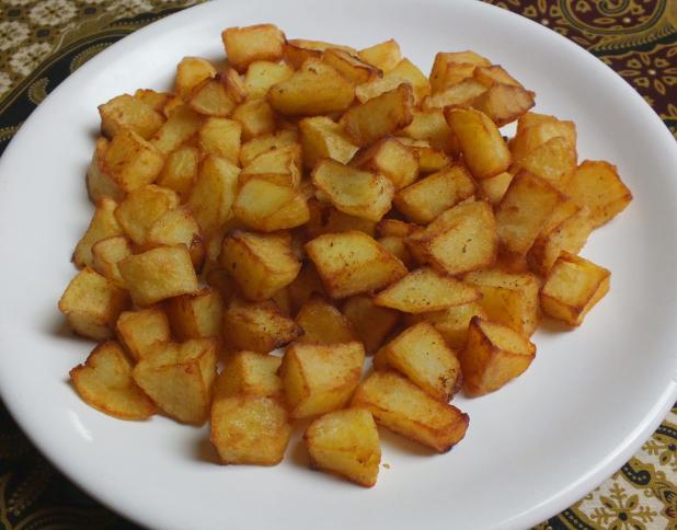 gefrituurde stukjes aardappel