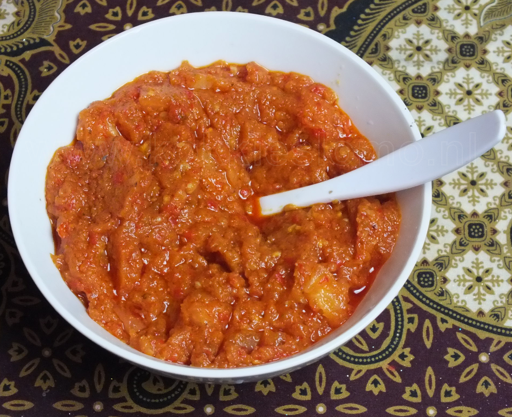 sg tomat 1201 WM 1000