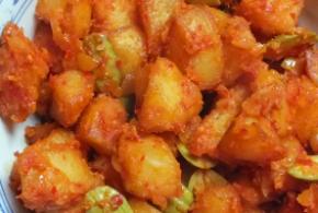 Kentang blado – pittige, gekruide aardappelblokjes